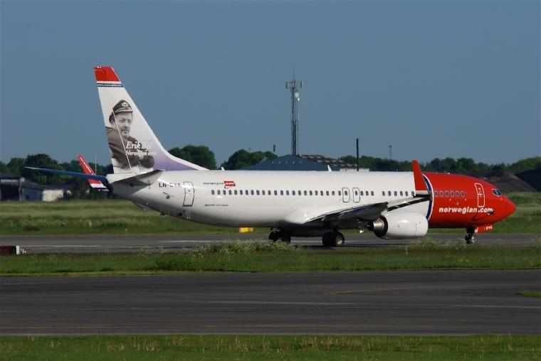 Norwegian_Boeing_737-800;_LN-DYA@CPH;04.06.2010_575ay_(4688160639)