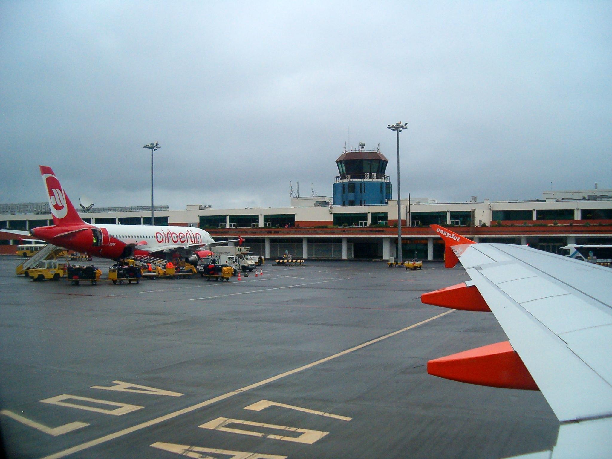 Doper flygplats efter ronaldo