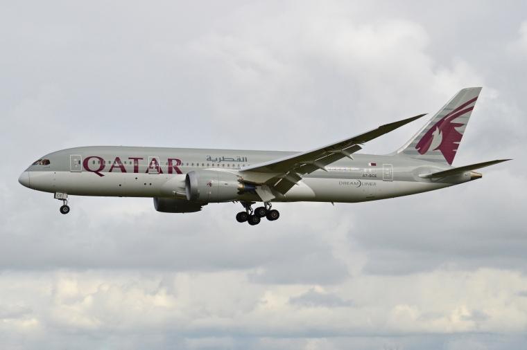 Boeing_787-8_A7-BCE_Qatar_Airways_(10424075695)