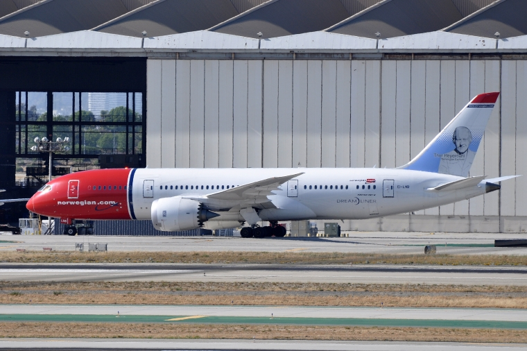 norwegian_long_haul_boeing_787-8_dreamliner_ln-lnb_-_lax_22968938812