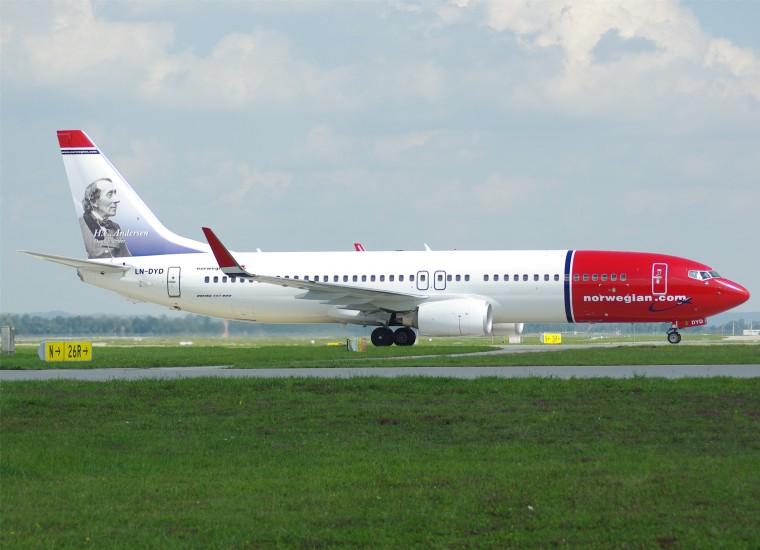 norwegian_air_shuttle_b737-800wl_ln-dyd_muc