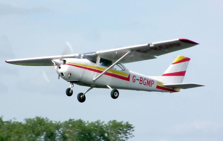 Cessna.f172g.g-bgmp.arp