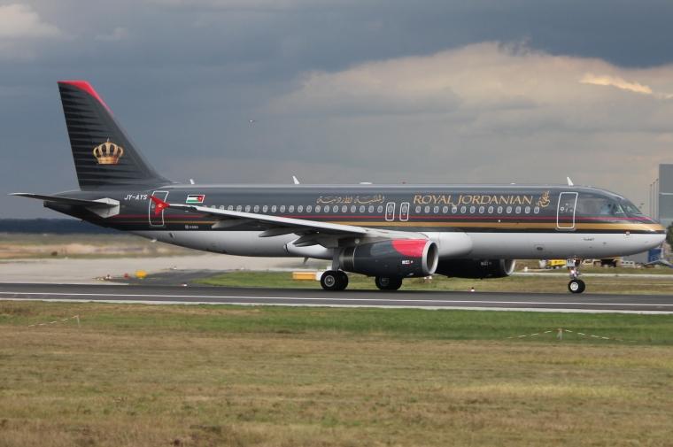 Royal_Jordanian_A320_JY-AYS