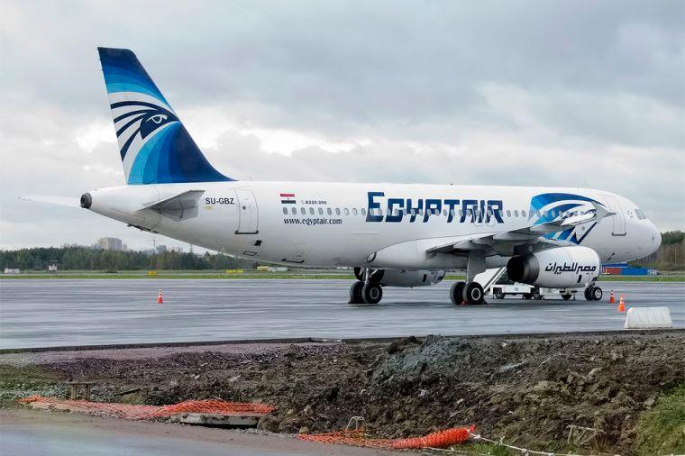 Egyptair,_SU-GBZ,_Airbus_A320-232_(16455436932)
