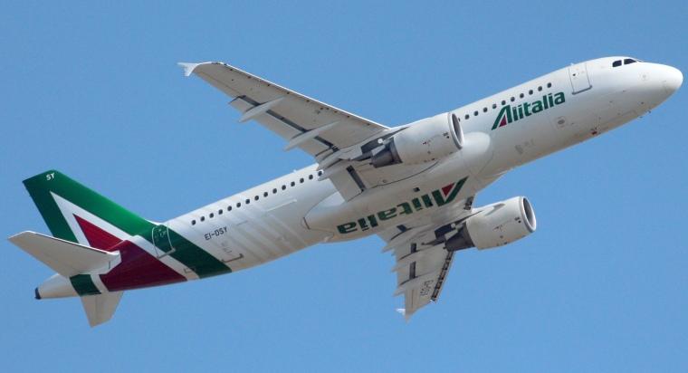 Alitalia_Airbus_A320-216