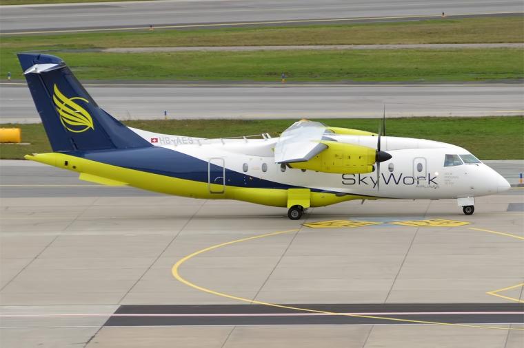 SkyWork_Airlines,_HB-AES,_Dornier_328-110_(22424609694)