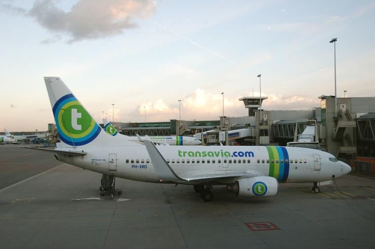 Transavia_Boeing_737-700;_PH-XRD@AMS;18.10.2011_627dm_(6389506093)