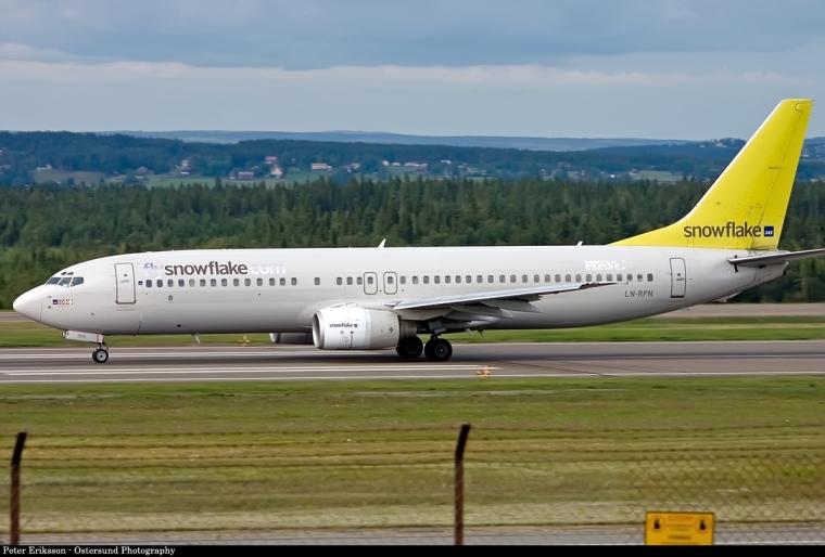 B-737-800_(SAS_Snowflake)_(3898116570)