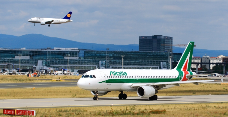 EI-DSC_-_Alitalia_-_Airbus_A320_(19607587009)