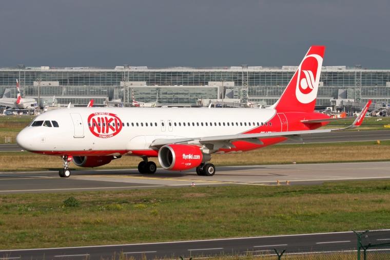 Niki_(Air_Berlin)_Airbus_A320-214_OE-LER_(21384304560)