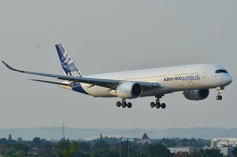 Airbus_A350-900_XWB_Airbus_Industries_(AIB)_MSN_001_-_F-WXWB_(9279548826)