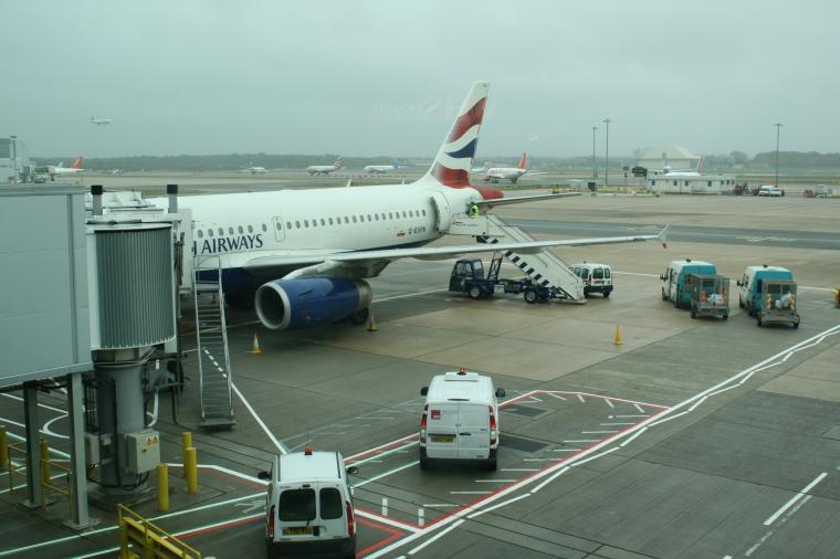 British_Airways_G-EUPN_at_Gatwick_Airport_-_Morten_Amundsen
