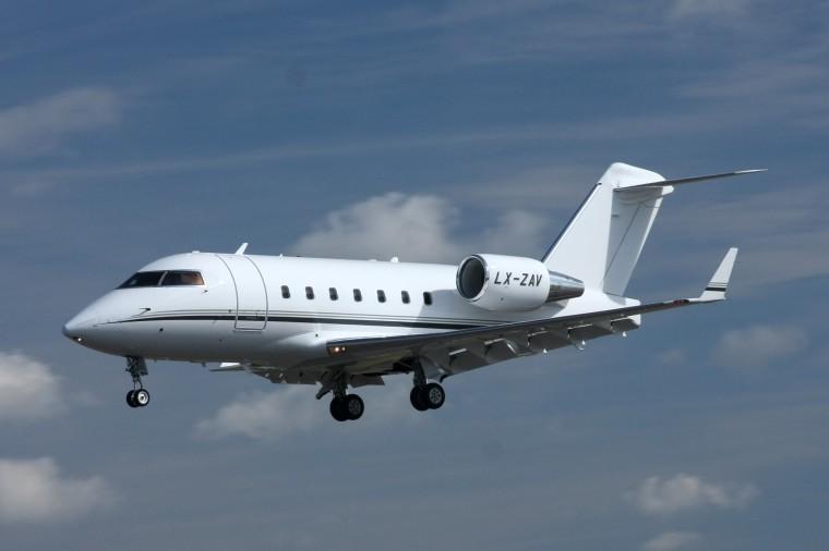Canadair_CL500_Challenger_604_(4826809923)