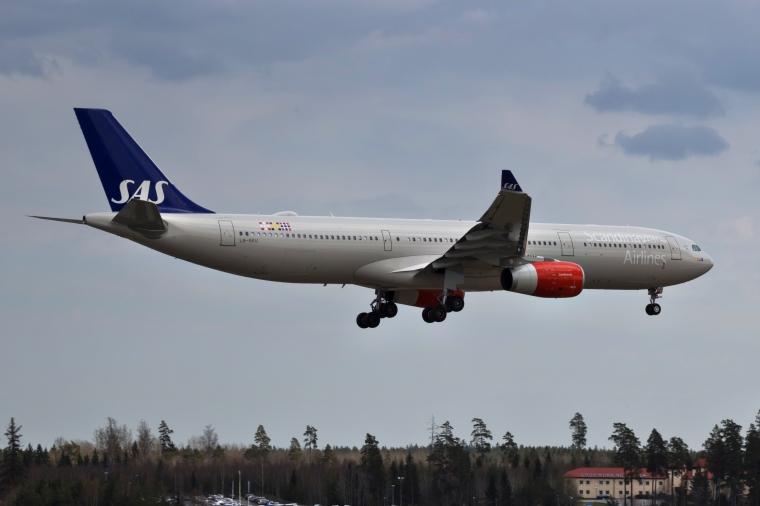 LN-RKU_A330_SAS_ARN