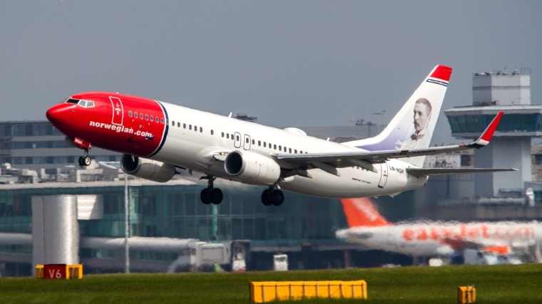 Norwegian_Air_Shuttle_B737_LN-NGH_(8906326396)