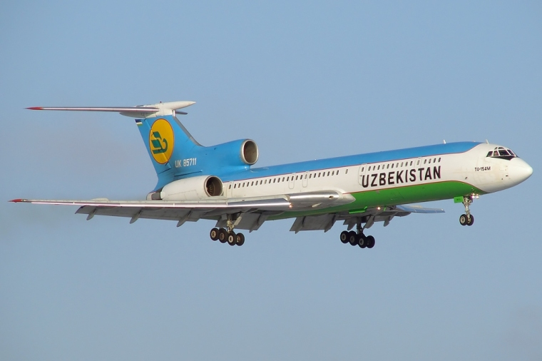 Tupolev_Tu-154M,_Uzbekistan_Airways_JP6144356