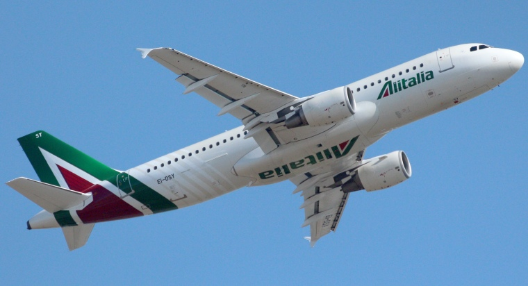 Alitalia_Airbus_A320-216_EI-DSY_Fiumicino2015 (1)