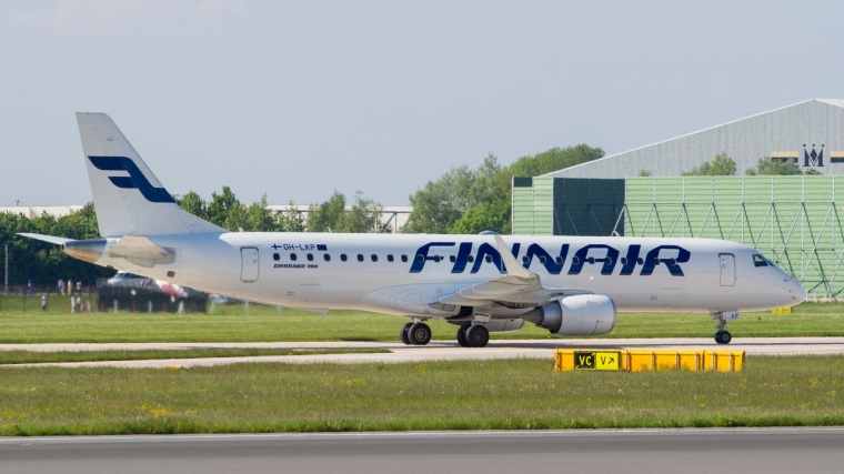 Finnair_E190_OH-LKP_at_EGCC_20130606