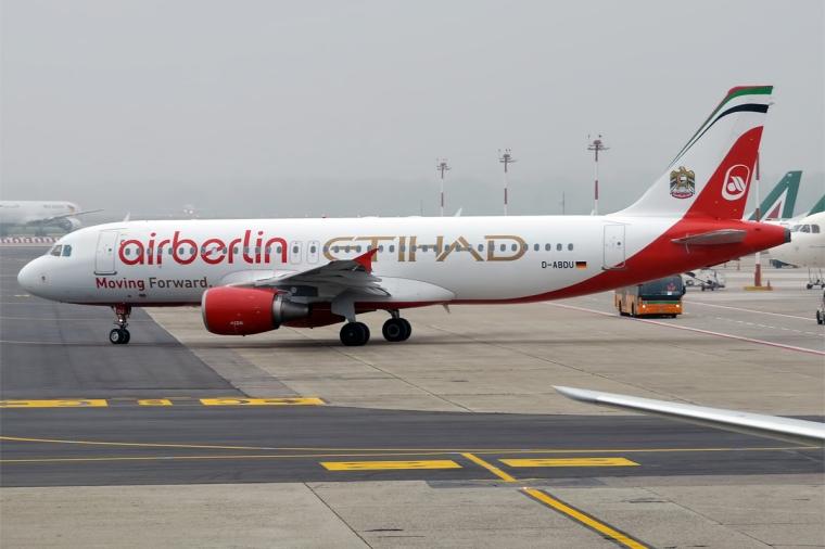 Air_Berlin_(Air_Berlin-Etihad_Livery),_D-ABDU,_Airbus_A320-214_(25976096084)
